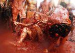 Tradiční rajčatová bitva La Tomatina ve …