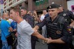 Policisté zatýkají příznivce Navalného