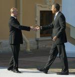 Vladimir Putin vítá v Petrohradu Baracka Obamu